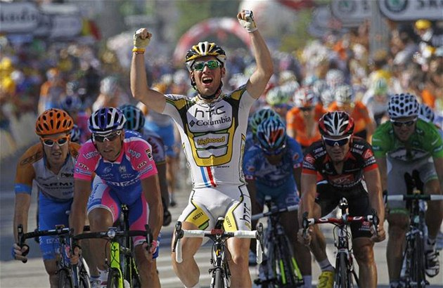 Ve spurtu 11. etapy Tour de France znovu kraloval Mark Cavendish.