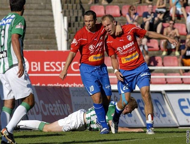 Fotbalisté Plzně Daniel Kolář (vpravo) a Pavel Horváth se trefili v uktání 2f89a8b6b8