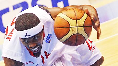 Derek Wright, basketbalista Pardubic