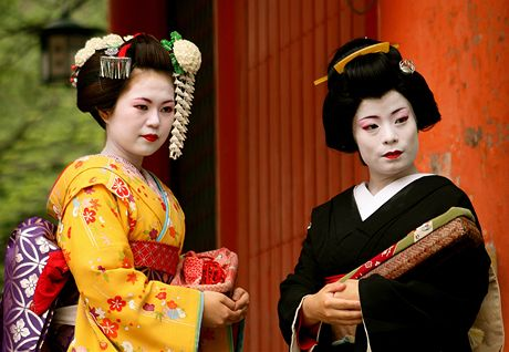 Japonský gejša sex videa staré ženy s tukom kundičky