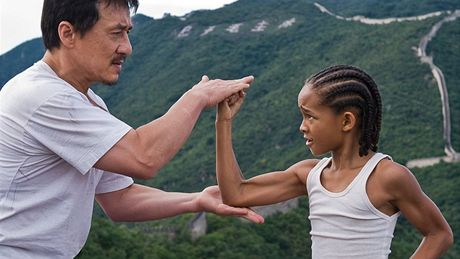 Jackie Chan a Jaden Smith ve filmu Karate Kid