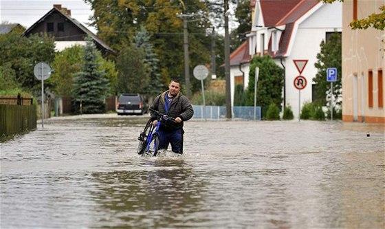 V Petrovicích řádila voda už čtyřikrát. Příští rok už snad lidi ... 19685ccb05