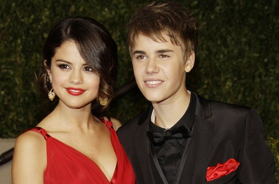Justin a Selena stále chodí dnes