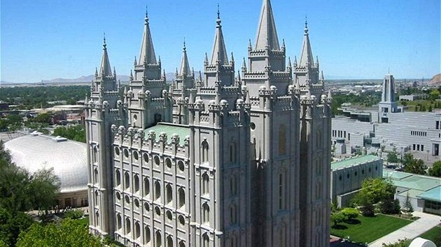Mormon Temple v Salt Lake City.