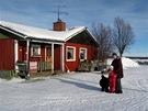Viikusjärvi, jediné dvě místní ženy - Leila a její dcera