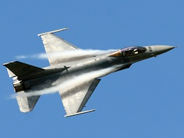 Letoun F-16 Fighting Falcon