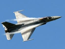 Stíhačku F-16 raději nebrat  Válkami prověřený bojovník