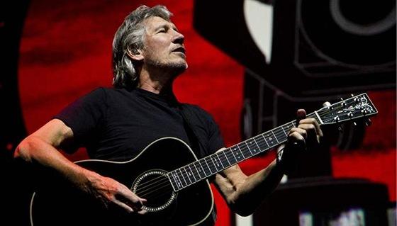 Drsňák Roger Waters staví Zeď d52fa1d1ba8