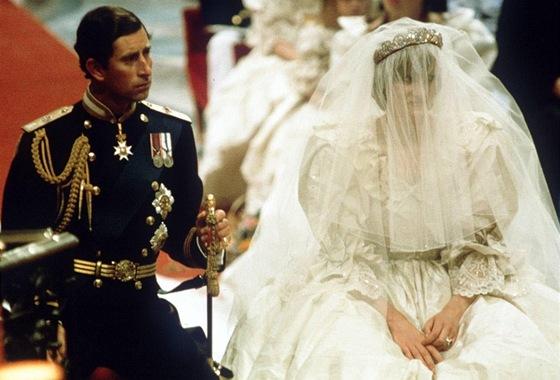 Britanie Si Pripomina Svatbu Stoleti Pred 30 Lety Si Charles Bral
