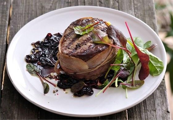 Bifteky s vůní jalovce podle Zdeňka Pohlreicha