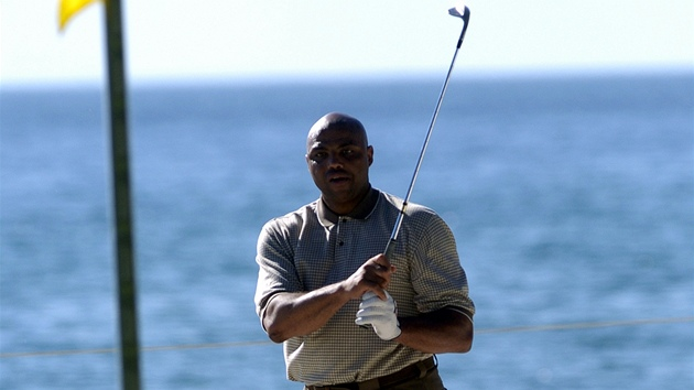 basketbalová legenda Charles Barkley si našla novou vášeň - golf