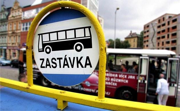Papírové jízdenky platí i kolem Olomouce, s SMS variantou ale lidé neuspějí