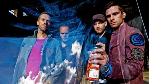Coldplay k nové písni Every Teardrop Is A Waterfall