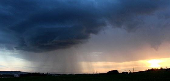 Zamračená obloha vydrží až do půlky května. Příští týden se ale ... 8ec9910f35
