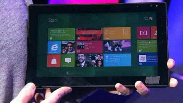 Tablet s procesorem ARM běžící na Windows 8