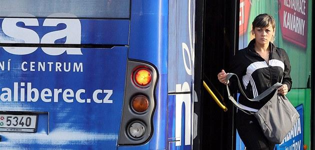 Autobusy jezdit nepřestanou, slibuje liberecký primátor cestujícím