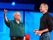 Walt Mossberg a Steve Jobs na konferenci All Things Digital