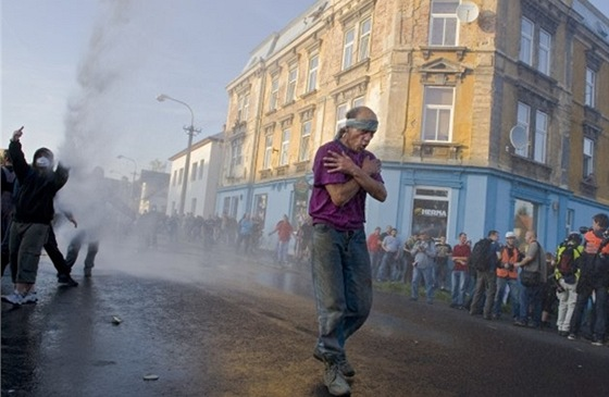 Fotografie roku Czech Press Photo 2011 - Stanislav Krupař. Z nepokojů na severu