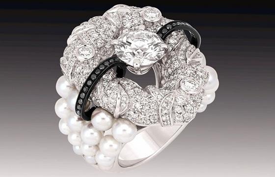 """Nejluxusnější šperky světa. Seznamte se s vysokou """"šperkařinou ... 3b55b41a3fd"""