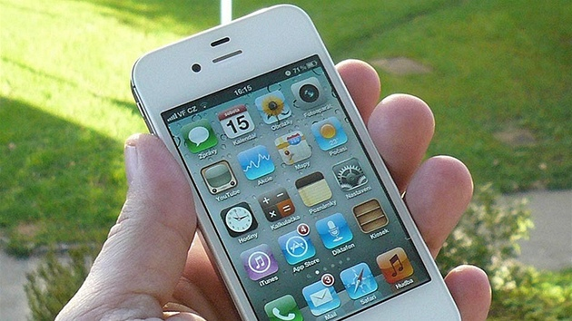 iPhone 4S recenze poutací