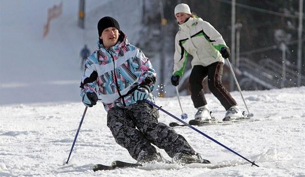 Jesenické skiareály sází na lyžování před otvíračkou či lepší děla i zázemí