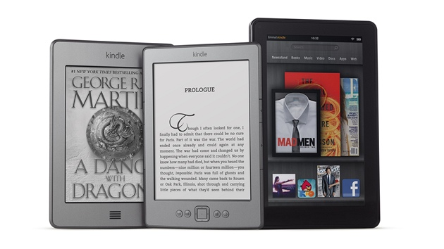 Nové modely rodiny Kindle: zleva Kindle Touch, Kindle a tablet Kindle Fire