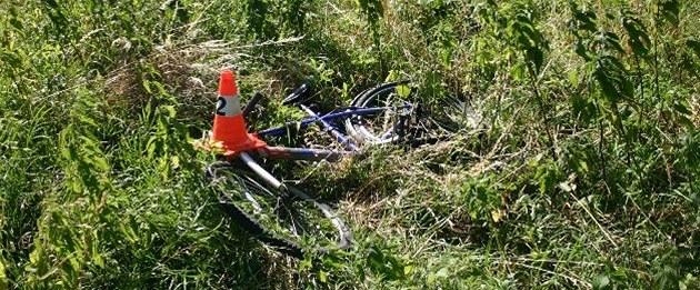 Řidič neohlásil, že srazil cyklistu, pak měl pozitivní test na drogy
