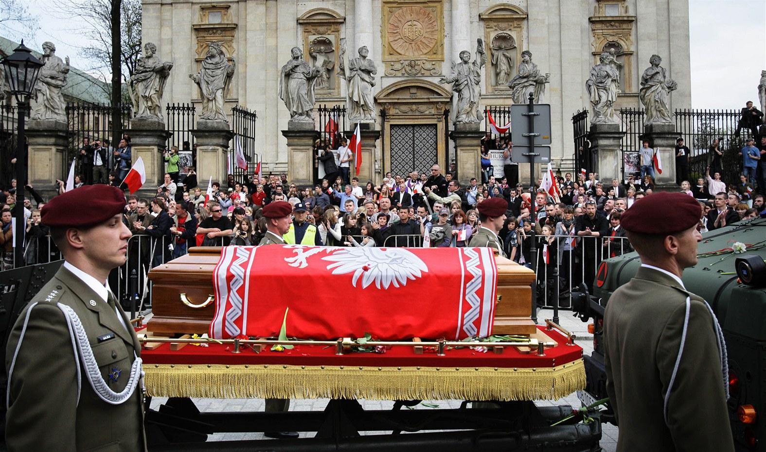 Výsledek obrázku pro foto smolensk pohřeb