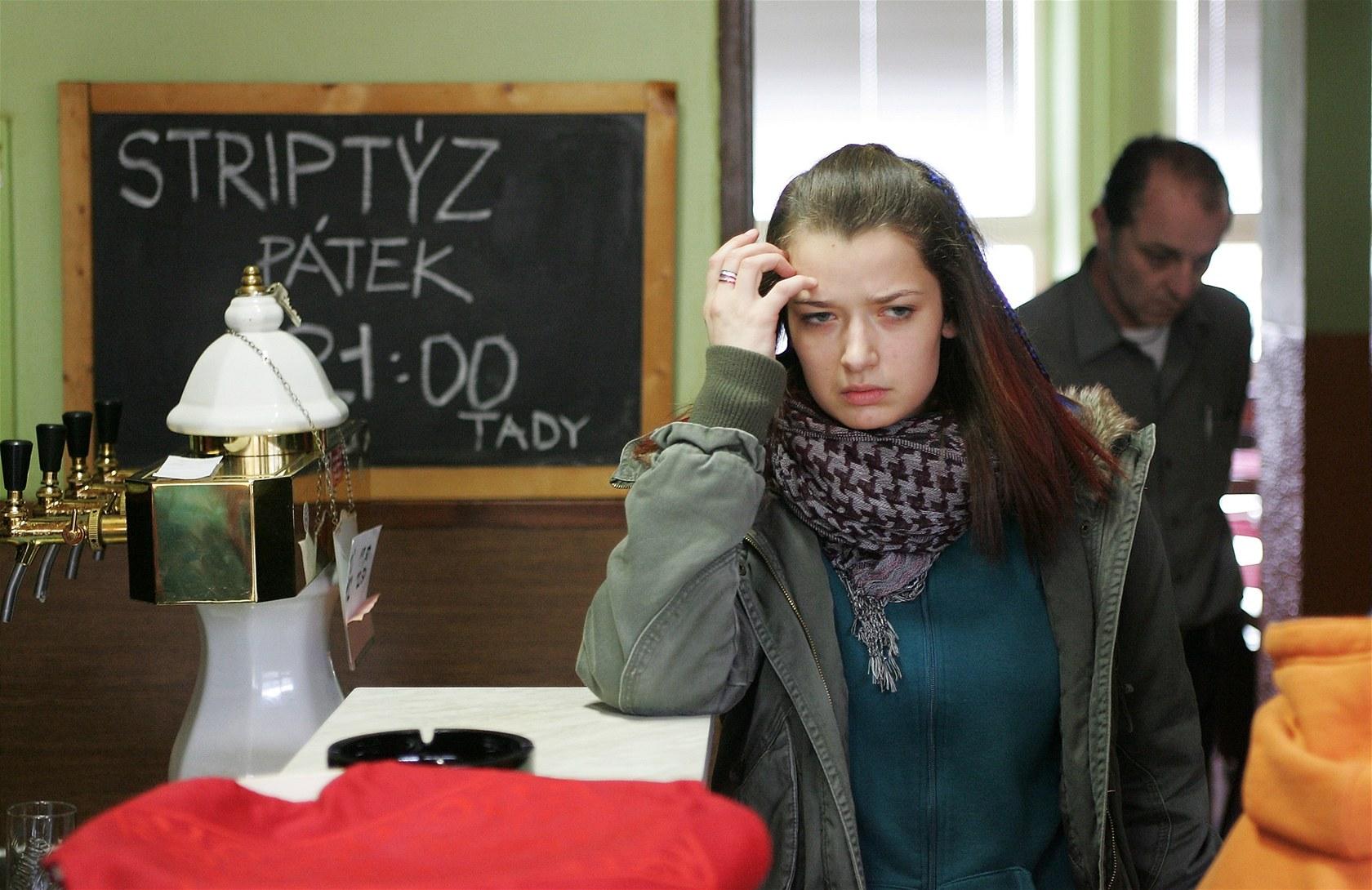 Aneta Krejcikova Poupata fotogalerie: marika Šoposká ve filmu poupata (2011)