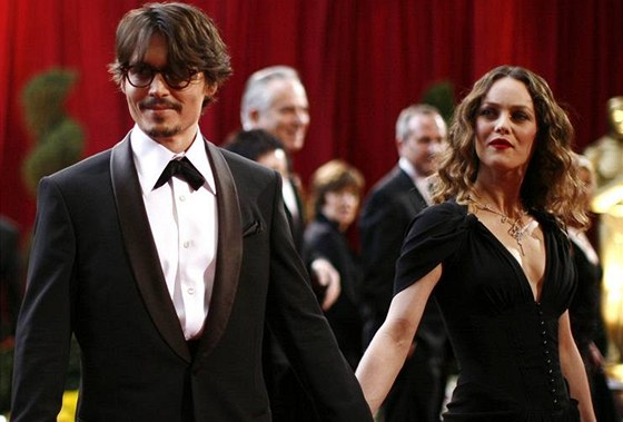 Oscar - Johnny Depp a Vanessa Paradis - Kodak Theatre, Hollywood, Los Angeles...
