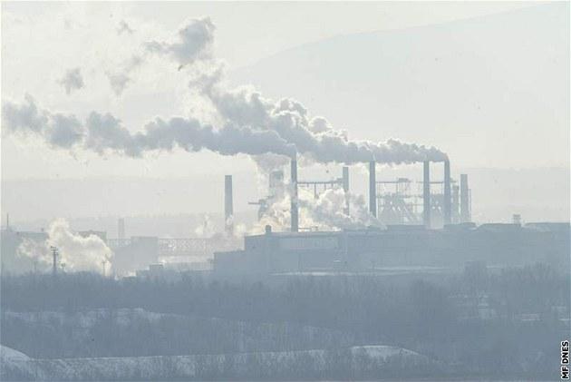 Zachycování a ukládání uhlíku: ekologové jsou proti, politici vyčkávají