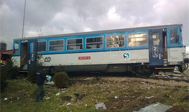 Vykolejení nákladního vlaku zastavilo provoz mezi Louny a Rakovníkem