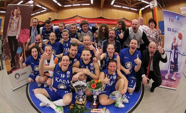 340e578fdc JE TO DOMA! Vítězný tým Středoevropské ligy basketbalistek - Kara Trutnov.