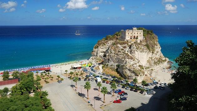 Jižně od Bari najdete pravou Itálii. Cestovky nabízejí masové Gargano a6757bde62
