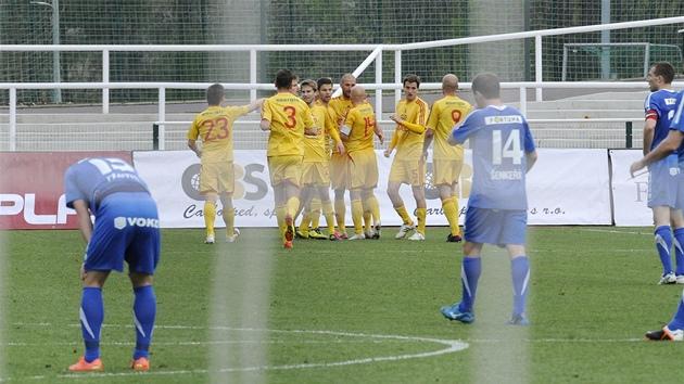 Fotbalová liga  na Dukle hraje Ostrava d3c5f82e75
