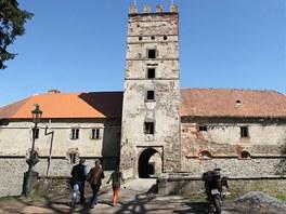 Střecha zámku po opravě.