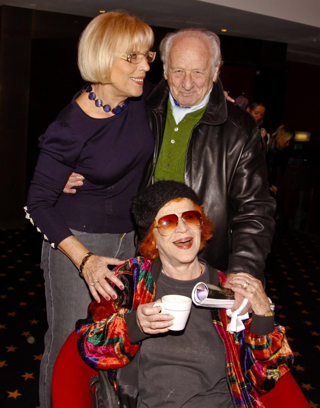 Gordon Michael Woolvett,Yvonne Severn Sex movies Gina Gershon,Marie Wilson (American actress)