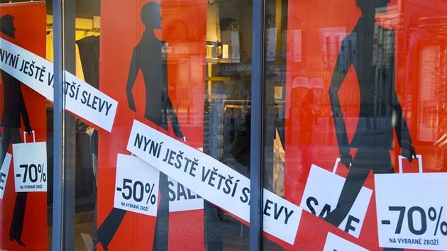 Povánoční slevy a výprodeje - kde nakoupíte opravdu levně  - iDNES.cz 9f8626c00fe
