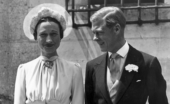 Wallis Simpsonová s manželem Edwardem, který se kvůli jejich sňatku vzdal...