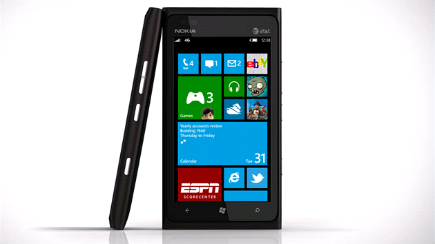 Tohle se nestane: Nokia Lumia 900 s Windows Phone 8