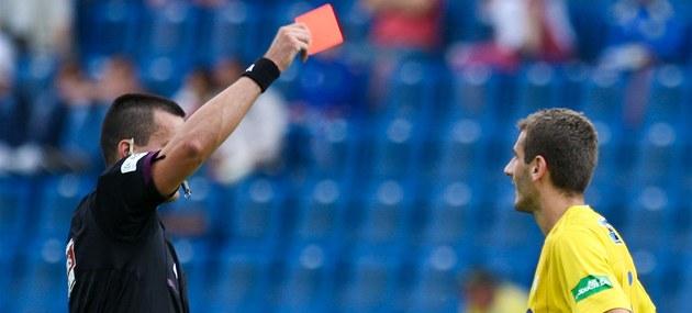 Fotbalovou asociaci o korupci informoval údajně rozhodčí Adámek ... 2786e82f67
