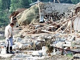Obyvatele obce Metly povodeň připravila o všechno. V místech, kde stály domy,...