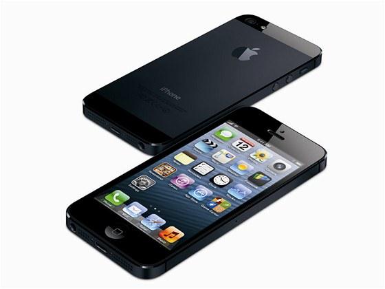 V USA je iPhone 5 až o 5 000 Kč levnější než na českém trhu - iDNES.cz 7940ff9c4a4