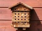 Domeček pro včelky samotářky si můžete sami vyrobit, nebo koupit. Vyplněné...