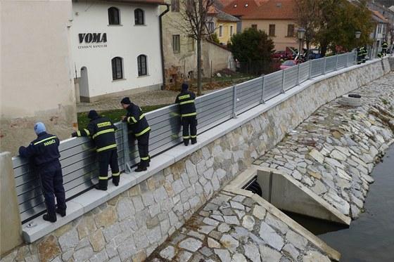 Protipovodňové valy jsou v centru Třebíče už více než pět let. Jejich  součástí jsou i 49988f138f