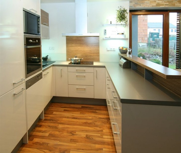Výsledek obrázku pro kuchyně tvaru u