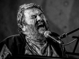 Jan Spálený při koncertu ve Skokách