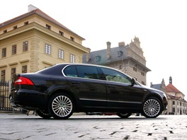 Škoda Superb V6