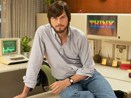 Ashton Kutcher ve filmu jOBS (2013)