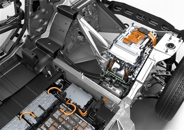 Výrobu aut po celém světě komplikuje nedostatek čipů, přednost mají mobily